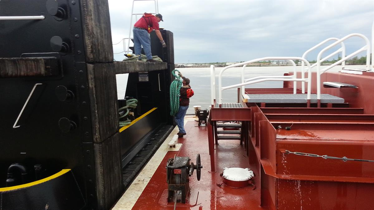 Now Hiring Deckhands for Towboats and Barges | Marquette